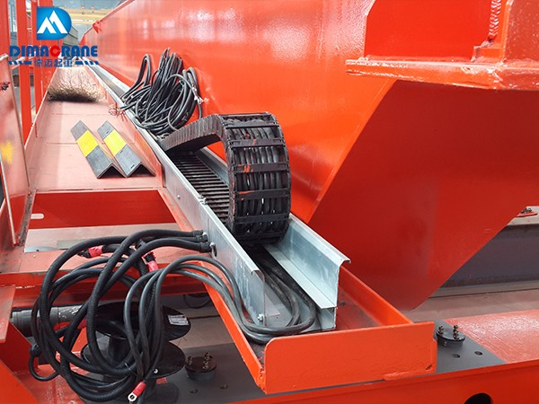 Cable towing chain system